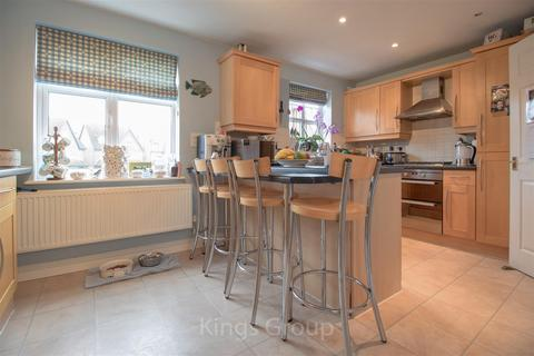 3 bedroom townhouse to rent - Lilbourne Drive, Hertford
