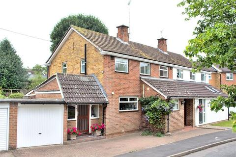 3 bedroom semi-detached house for sale - Rosemary Close, Dunmow
