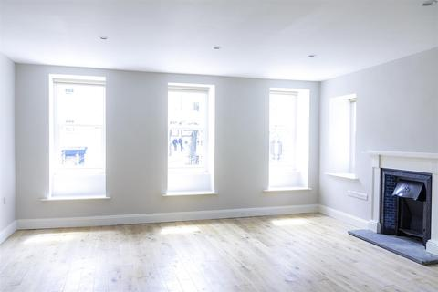 2 bedroom flat to rent - High Street, Haverfordwest