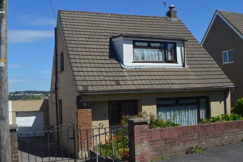 4 bedroom detached bungalow for sale - Chantal Avenue, Pen-Y-Fai, Bridgend, CF31