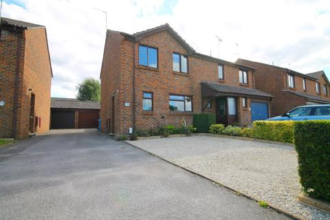 3 bedroom semi-detached house for sale - Christopher Crescent, Poole