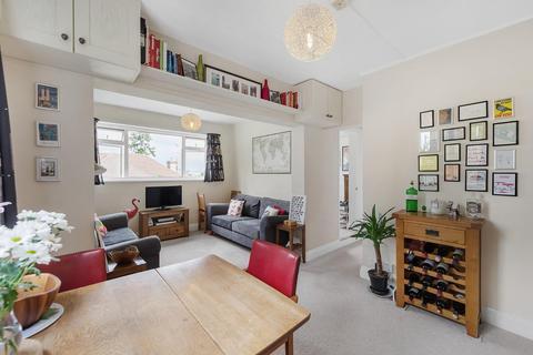 2 bedroom flat for sale - Rollscourt Avenue, SE24