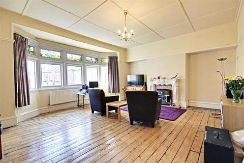 2 bedroom flat for sale - Graham Street, South Shields, Tyne And Wear