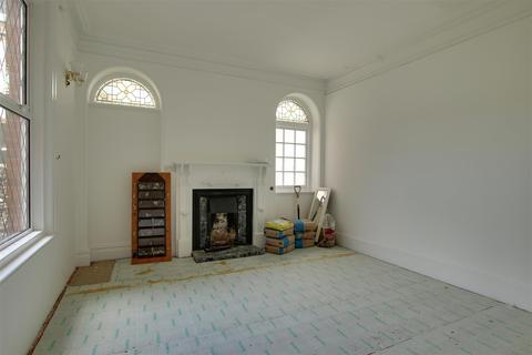 Studio to rent - Avondale Hotel, Avondale Road, Seaford