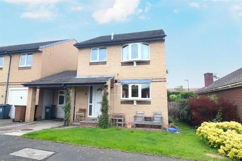 3 bedroom detached house - Russell Square, Seaton Burn, Newcastle Upon Tyne