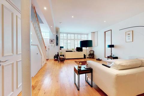 3 bedroom mews for sale - Blackstock Mews, London N4