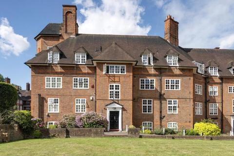 2 bedroom flat for sale - Heathcroft, Hampstead Way, London, NW11