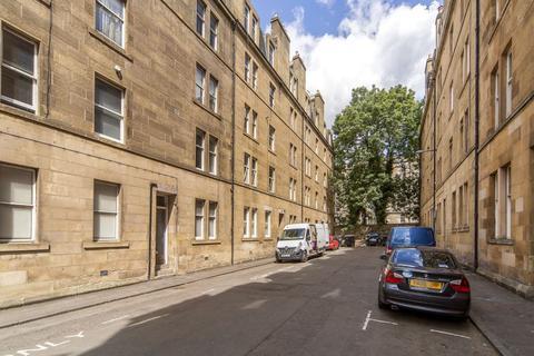 2 bedroom flat for sale - 6 (2F1) Buccleuch Terrace, Newington, Edinburgh, EH8 9ND