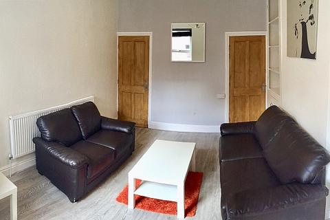 4 bedroom terraced house to rent - Pinner Road , Hunters Bar, Sheffield  S11 8UG