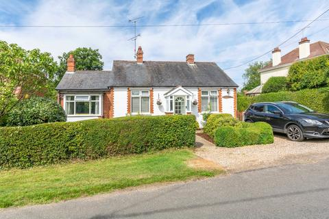 3 bedroom detached bungalow for sale - Chalk Street, South Hanningfield, Chelmsford