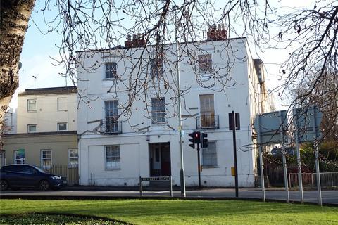 Studio to rent - Hewlett Road, Cheltenham, Gloucestershire, GL52