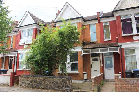 3 bedroom end of terrace house for sale - York Road, London, N11