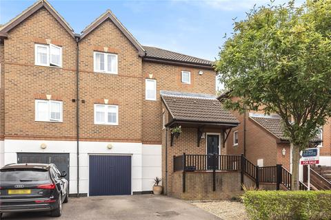 3 bedroom semi-detached house for sale - Barrington Drive, Harefield, Uxbridge, Middlesex, UB9