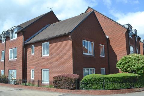1 bedroom ground floor flat for sale - Castle Dyke, Lichfield