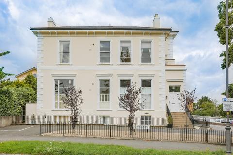 2 bedroom flat to rent - Parabola Road, Montpellier, Cheltenham, GL50