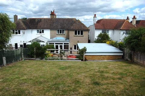4 bedroom semi-detached house for sale - Kings Drive, Eastbourne BN21