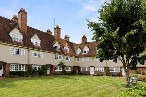 4 bedroom terraced house for sale - The Court, Bury Fields, Guildford, Surrey, GU2