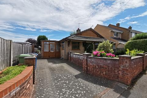 3 bedroom bungalow to rent - Lilac Close, Great Bridgeford, Stafford ST18