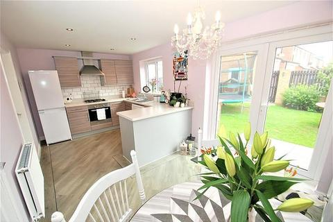 3 bedroom detached house for sale - Bronte Way, South Shields