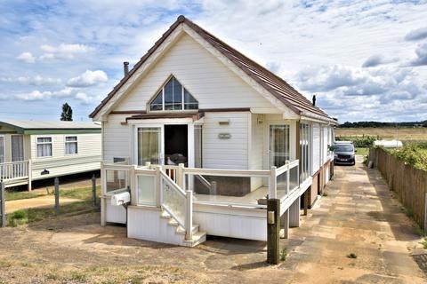 3 bedroom detached bungalow for sale - Heacham