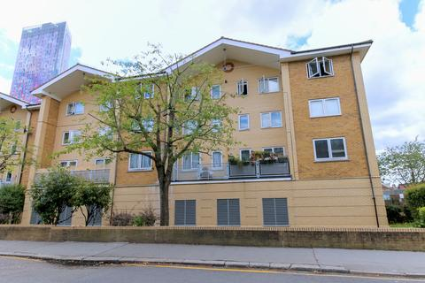 2 bedroom flat for sale - Woburn Road, East Croydon