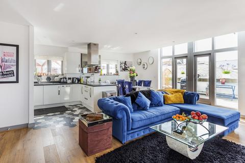 2 bedroom penthouse for sale - Goods Station Road, Tunbridge Wells, TN1