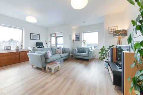 2 bedroom apartment for sale - West Green Road, London