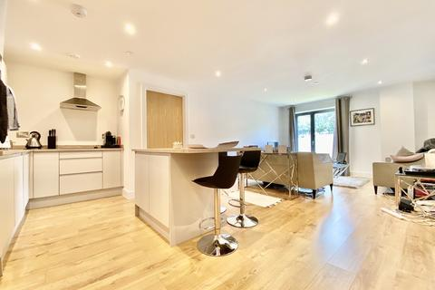 2 bedroom apartment to rent - Leyland House, 53 Mabgate