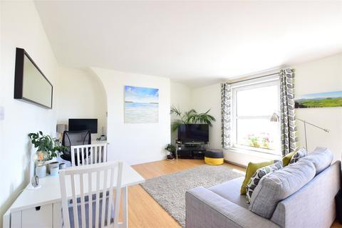 Property to rent - York Road, Tunbridge Wells, Kent, TN1