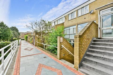 5 bedroom flat to rent - Clapham Road, Oval, London, SW9 0EG