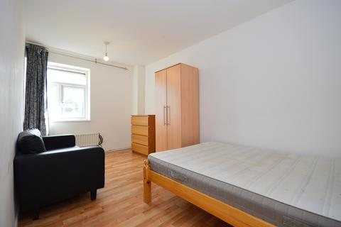 3 bedroom flat for sale - Hind Grove, London, e14