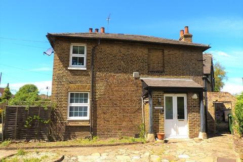 2 bedroom flat for sale - Riverside Road, Stanwell, TW19 7LA