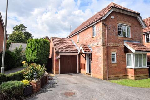 3 bedroom house for sale - Bateman Drive, Aylesbury