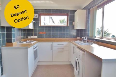 3 bedroom terraced house to rent - Bevendean Crescent, Brighton