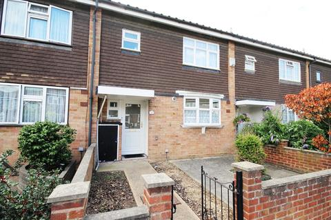 3 bedroom terraced house for sale - Theydon Gardens, Rainham, RM13