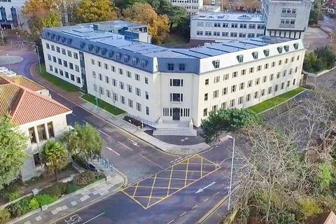 2 bedroom apartment for sale - Sandbanks Road, Poole