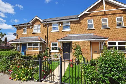 2 bedroom terraced house for sale - Hanworth Road, Hampton