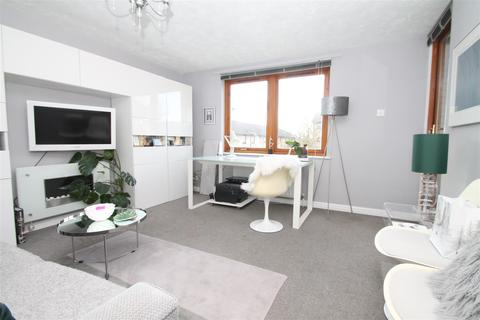 1 bedroom flat for sale - Shapland Way, Palmers Green, London N13