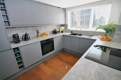 3 bedroom apartment for sale - Churchfield Road, Poole