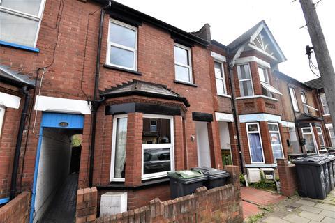 3 bedroom terraced house to rent - Reginald Street, Luton