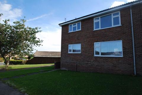 2 bedroom flat for sale - Amy Johnson Avenue, Bridlington, East Yorkshire, YO16