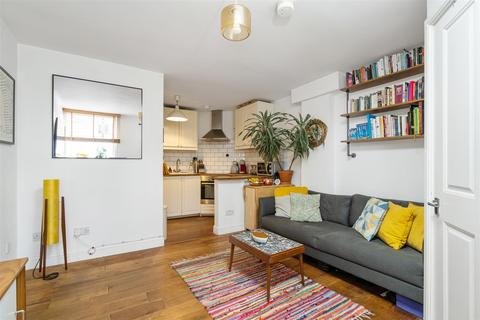 1 bedroom flat for sale - Rathcoole Avenue, Crouch End, N8