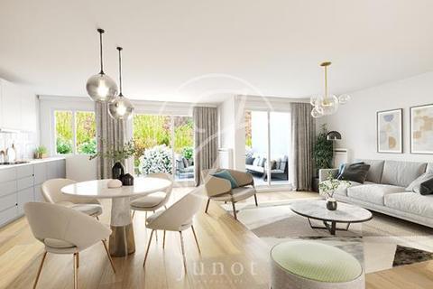 3 bedroom apartment - PARIS, 75017