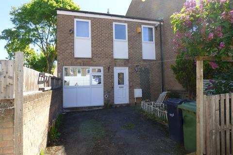 4 bedroom terraced house to rent - Lumley Close, Oxclose, Washington, Tyne and Wear, NE38 0HX