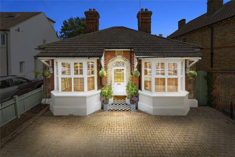 3 bedroom bungalow for sale - Park Avenue, Chelmsford, Essex, CM1