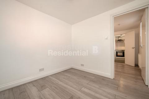 Studio to rent - Hubbard Road, West Norwood