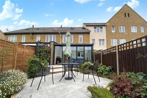 3 bedroom house for sale - Wraysbury Gardens, Staines-upon-Thames, Surrey, TW18