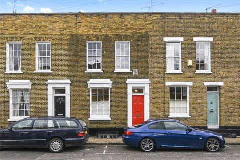 3 bedroom terraced house to rent - Barnes Street, London, E14