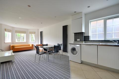 2 bedroom ground floor flat to rent - Fairfield Road, Uxbridge, Middlesex, UB8 1AZ