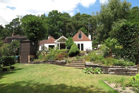 5 bedroom detached house for sale - Moor Park Way, Farnham, Surrey, GU9